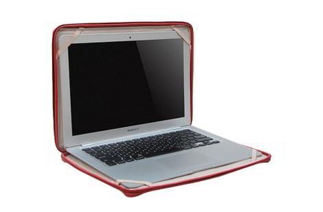 Кожаная сумка для ноутбука MacBook Air красного цвета (Compact Attache...
